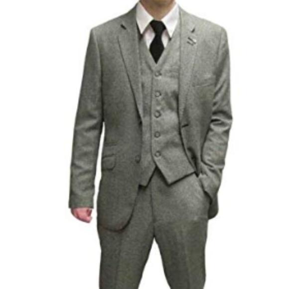 32a2e97c364 Cavani Men s Suit Size 42R Pant Size 36 Slim Fit